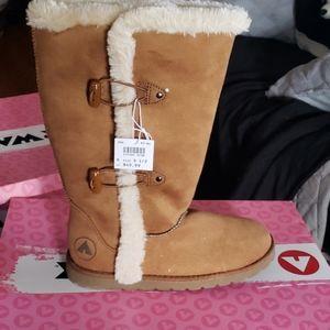 Tan airwalk boots